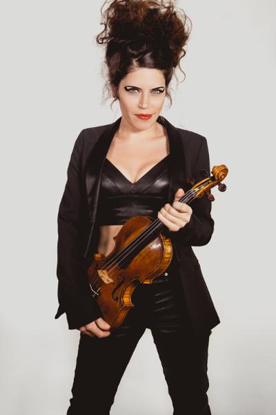 Emelyne Chirol - Violon dans Les Parisiennes Quatuor
