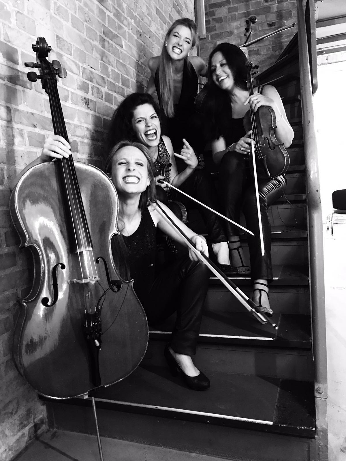 Soirée de gala pour Saint Gobin avec un quatuor un dj et une chanteuse lyrique